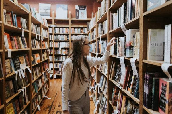 raamatukogu spetsialistid
