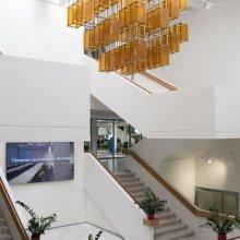 Konverentsikeskusesse viivad trepid